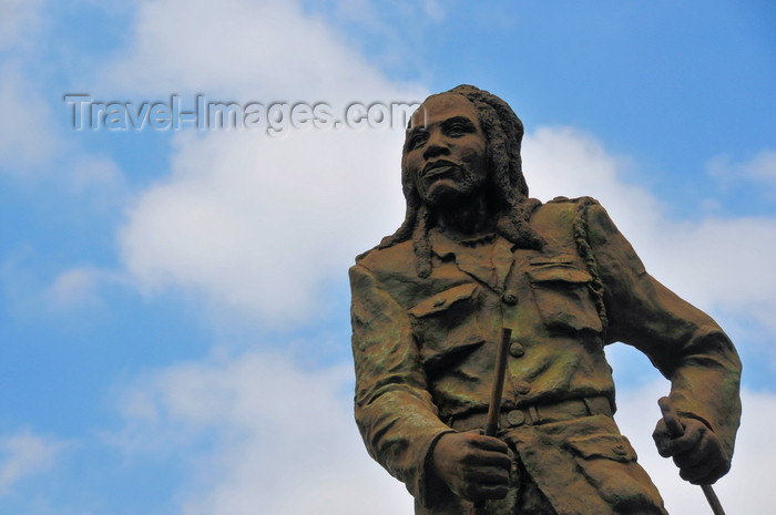 kenya119: Nairobi, Kenya: bronze statue of Dedan Kimathi Wachiuri - Kenyan rebel leader - Mau Mau terrorist executed by the British - photo by M.Torres - (c) Travel-Images.com - Stock Photography agency - Image Bank