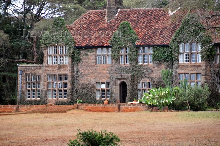 kenya159: Langata, Nairobi, Kenya: Utamaduni crafts emporium - colonial house - photo by M.Torres - (c) Travel-Images.com - Stock Photography agency - Image Bank