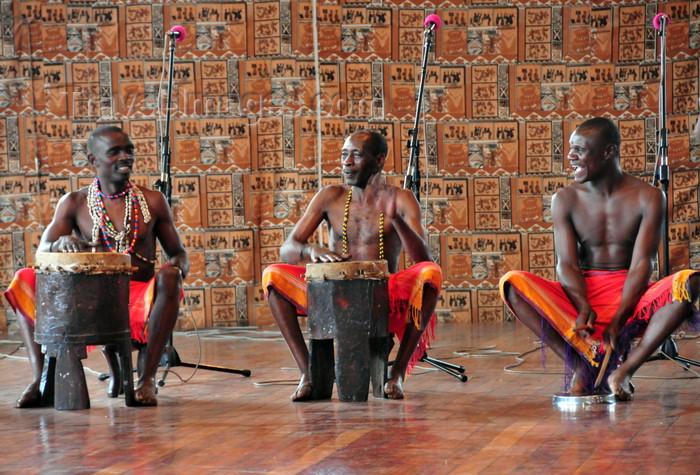 kenya163: Langata, Nairobi, Kenya: musicians playing traditional instruments - Bomas of Kenya - photo by M.Torres - (c) Travel-Images.com - Stock Photography agency - Image Bank