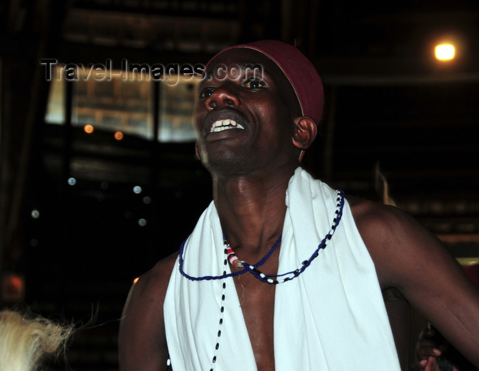kenya164: Langata, Nairobi, Kenya: male dancer - Bomas of Kenya - photo by M.Torres - (c) Travel-Images.com - Stock Photography agency - Image Bank