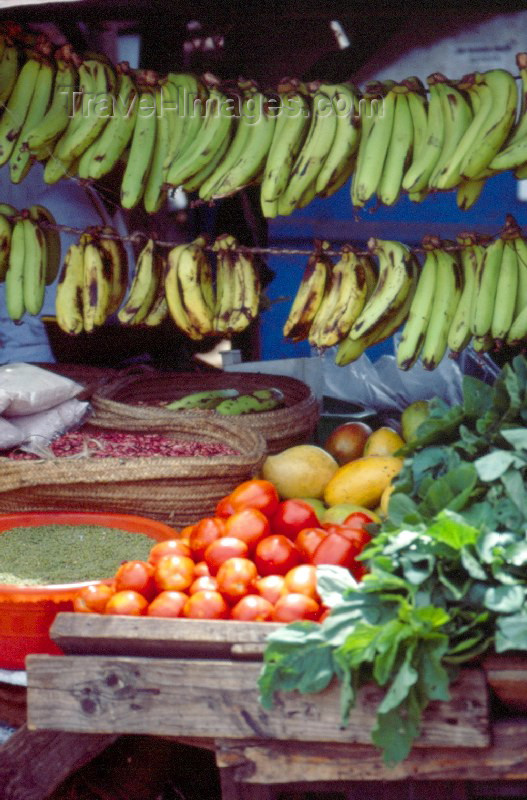 kenya18: East Africa - Kenya - Mtwapa, Kilifi District, Coast province: fruits, vegetables and spices - village shop - photo by F.Rigaud - (c) Travel-Images.com - Stock Photography agency - Image Bank