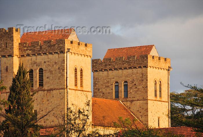 kenya32: Kenya - Nairobi: All Saints Cathedral - Anglican church - Kenyatta Ave - Ngong Rd - photo by M.Torres - (c) Travel-Images.com - Stock Photography agency - Image Bank