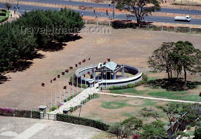 kenya58: Africa - Nairobi: tomb - Jomo Kenyatta mausoleum - Uhuru park - Langata Road - Uhuru Gardens, Freedom Park (photo by F.Rigaud) - (c) Travel-Images.com - Stock Photography agency - Image Bank