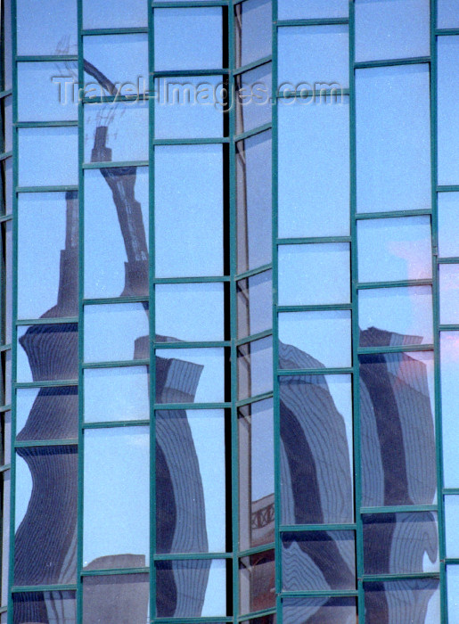 kenya59: Africa - Kenya - Nairobi: skyscraper reflection on glass façade - photo by F.Rigaud - (c) Travel-Images.com - Stock Photography agency - Image Bank