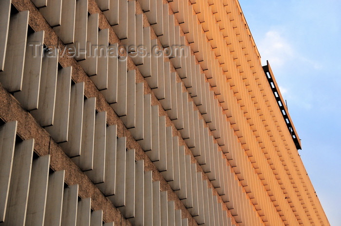 kenya85: Nairobi, Kenya: Jogoo House B, Harambee Avenue - Ministry of Higher Education - façade with vertical concrete blades - photo by M.Torres - (c) Travel-Images.com - Stock Photography agency - Image Bank