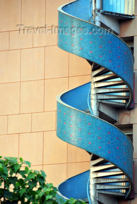 kenya91: Nairobi, Kenya: spiral stairs at Sheria house - Parliament Road - photo by M.Torres - (c) Travel-Images.com - Stock Photography agency - Image Bank