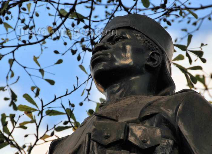kenya98: Nairobi, Kenya: Native African Troop Memorial 1914-1918, Kenyatta Avenue - Carrier Corps - photo by M.Torres - (c) Travel-Images.com - Stock Photography agency - Image Bank