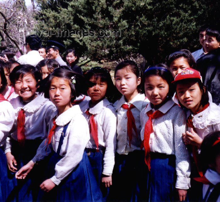korean118: North Korea / DPRK - Pyongyang: North Korean School girls at Mangyondae Native House - pioneers (photo by M.Torres) - (c) Travel-Images.com - Stock Photography agency - Image Bank