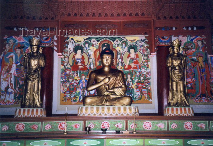 korean123: North Korea / DPRK - Myohyang mountains: Pohyon Temple - home of the Parmandaejanggyon scrollls - Buddha (photo by M.Torres) - (c) Travel-Images.com - Stock Photography agency - Image Bank