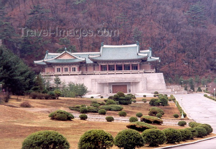 korean126: North Korea / DPRK - Myohyangsan mountains: International Friendship Exhibition - dear leader, Kim Jong Il section (photo by M.Torres) - (c) Travel-Images.com - Stock Photography agency - Image Bank