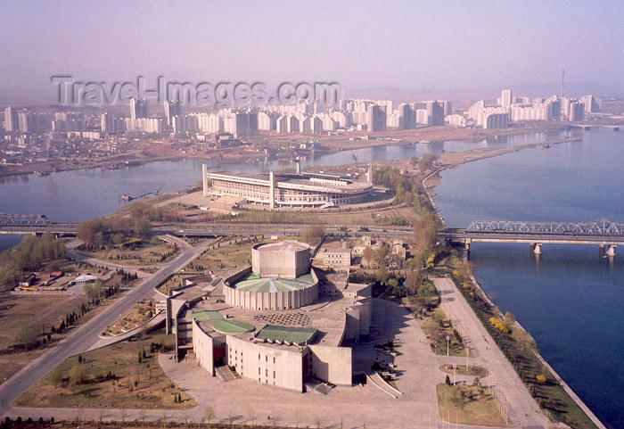 korean53: North Korea / DPRK - Pyongyang: International Cinema Hall,Yanggakdo soccer stadium, rail bridge and Yanggak bridge - Yangakdo island (photo by M.Torres) - (c) Travel-Images.com - Stock Photography agency - Image Bank
