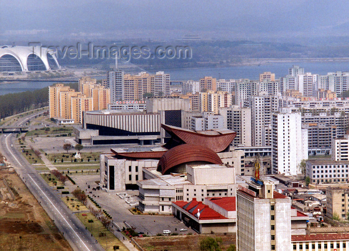 korean8: North Korea / DPRK - Pyongyang: East Pyongyang Grand Theatre area - bowling track (photo by M.Torres) - (c) Travel-Images.com - Stock Photography agency - Image Bank