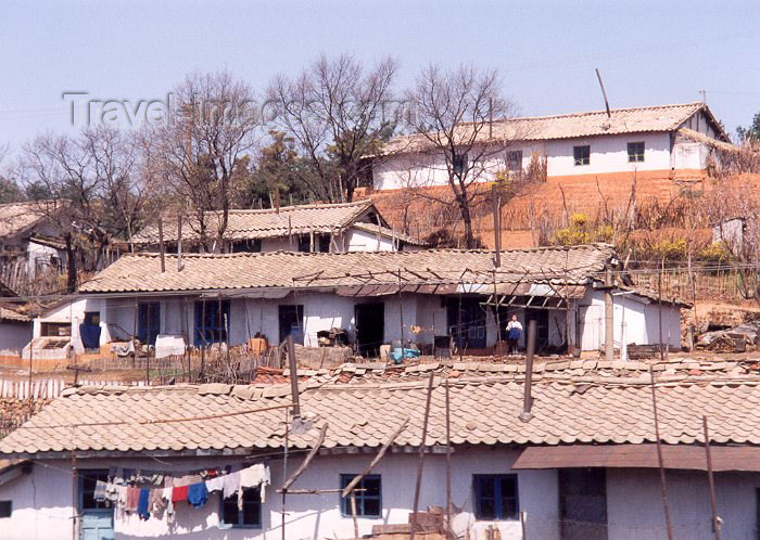 korean92: North Korea / DPRK - Country side dwellings (photo by Miguel Torres) - (c) Travel-Images.com - Stock Photography agency - Image Bank