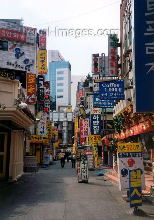 koreas1: Asia - South Korea - Seoul: back alley -  Gwancheoldong - photo by M.Torres - (c) Travel-Images.com - Stock Photography agency - Image Bank