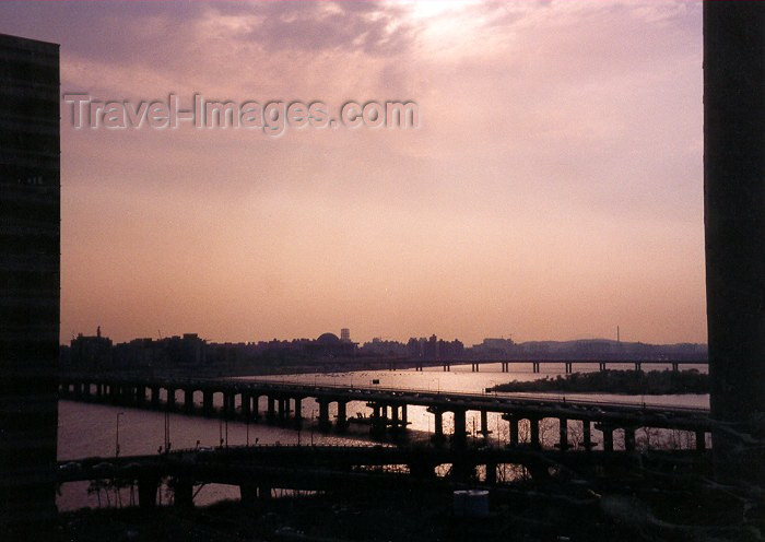 koreas11: Asia - South Korea - Seoul: Han-Gang river seen from Yongsan - photo by M.Torres - (c) Travel-Images.com - Stock Photography agency - Image Bank