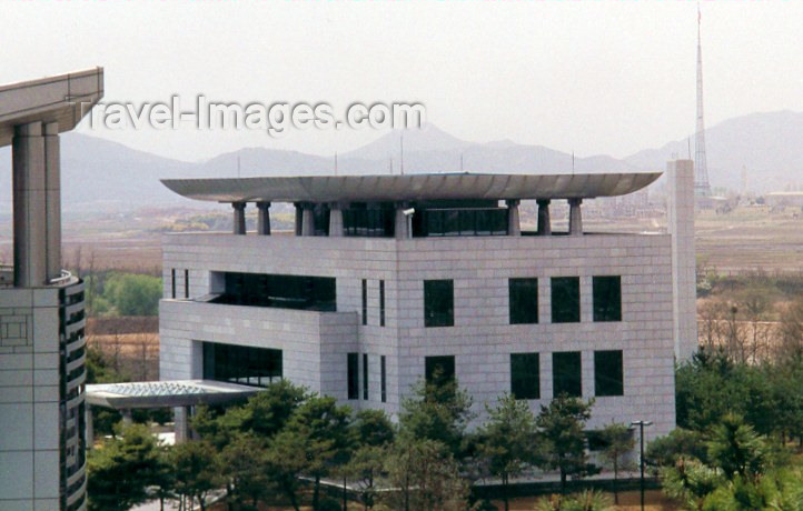 koreas19: Asia - South Korea - Panmunjom / Panmujong,  Gyeonggi province: border instalations - seen from the DPRK - photo by M.Torres - (c) Travel-Images.com - Stock Photography agency - Image Bank