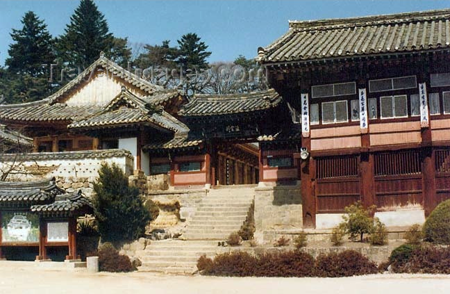 koreas27: Asia - South Korea - Gaya Mountain, Gyeongsang province: Haeinsa Temple - main entrance - photo by G.Frysinger - (c) Travel-Images.com - Stock Photography agency - Image Bank