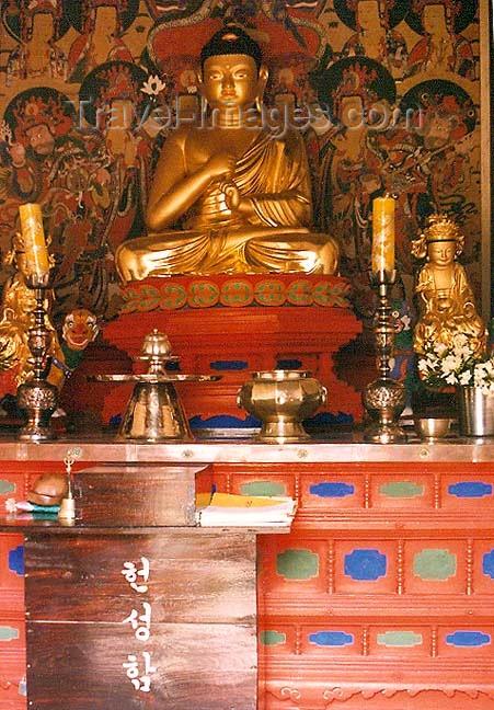 koreas28: Asia - South Korea - Gaya Mountain, Gyeongsang province: Haeinsa Temple - Buddha - photo by G.Frysinger - (c) Travel-Images.com - Stock Photography agency - Image Bank