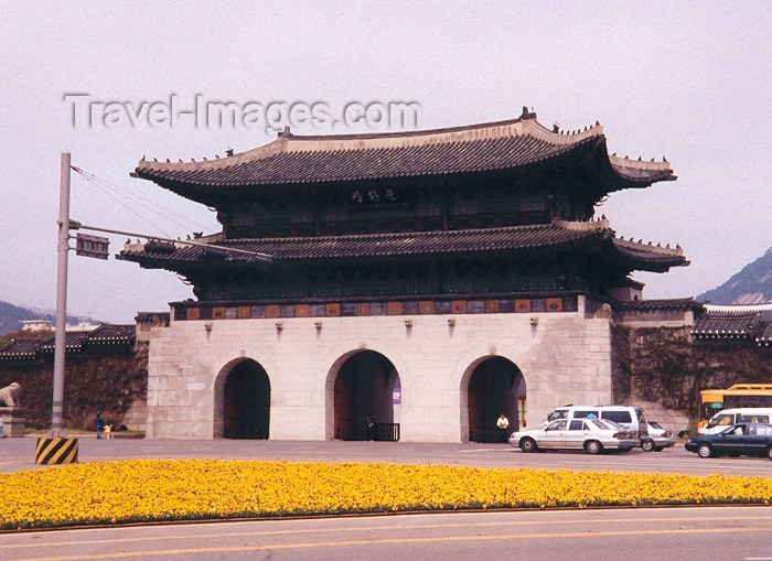 koreas4: Asia - South Korea - Seoul: Kwanghwamun gate - photo by M.Torres - (c) Travel-Images.com - Stock Photography agency - Image Bank