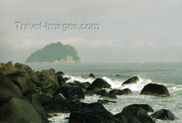 koreas42: Asia - South Korea - Jeju island / Jejudo / Cheju island: coastline - Korea strait - photo by S.Lapides - (c) Travel-Images.com - Stock Photography agency - Image Bank