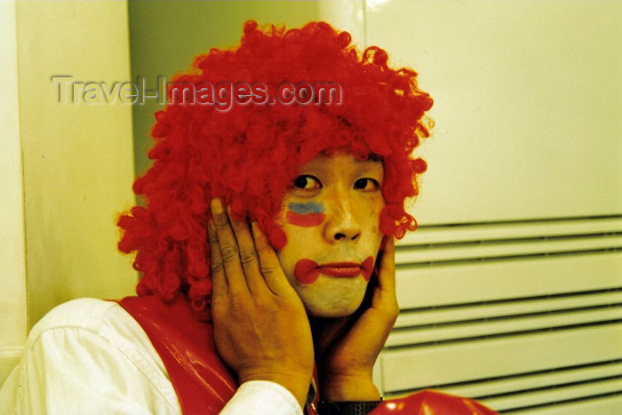 koreas46: Asia - South Korea - Halloween - red wig - photo by S.Lapides - (c) Travel-Images.com - Stock Photography agency - Image Bank