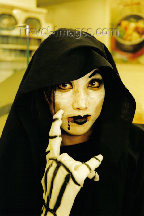 koreas47: Asia - South Korea - Halloween  - woman in black - photo by S.Lapides - (c) Travel-Images.com - Stock Photography agency - Image Bank