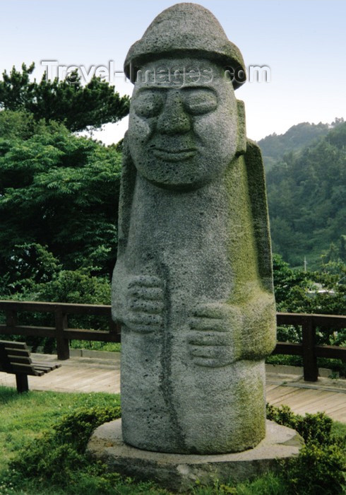 koreas63: Asia - South Korea - Jeju island / Cheju island: Stone Grandfather - Tol-Harubang or Beoksumeori - fertility statue - photo by S.Lapides - (c) Travel-Images.com - Stock Photography agency - Image Bank