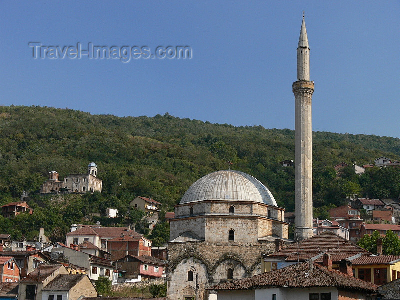 kosovo1: Kosovo - Prizren / Prizreni: the 14th century St Saviour Church above the 16th century Sinan Pasha mosque - Old town - photo by J.Kaman - (c) Travel-Images.com - Stock Photography agency - Image Bank