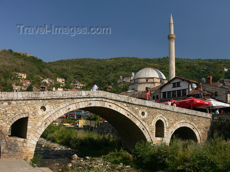 kosovo2: Kosovo - Prizren / Prizreni: Ottoman bridge over the river Bistrica - Old town - photo by J.Kaman - (c) Travel-Images.com - Stock Photography agency - Image Bank