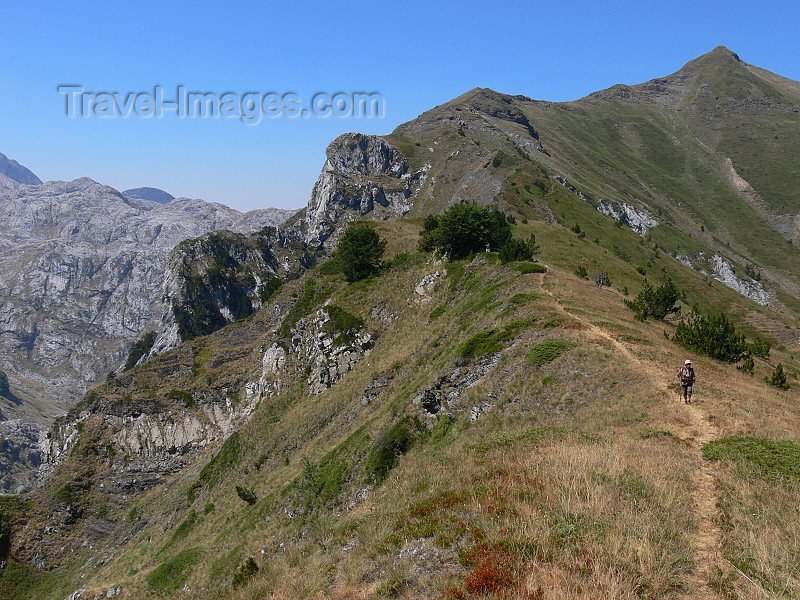 kosovo42: Kosovo - Prokletije mountains / Alpet Shqiptare - Prizren district: on a ridge - Dinaric Alps - photo by J.Kaman - (c) Travel-Images.com - Stock Photography agency - Image Bank