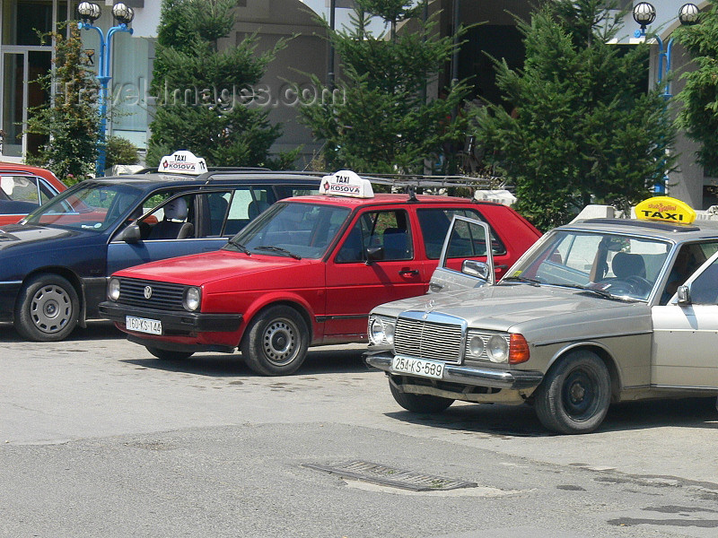 kosovo62: Kosovo - Pec / Peja: taxi stand - photo by J.Kaman - (c) Travel-Images.com - Stock Photography agency - Image Bank