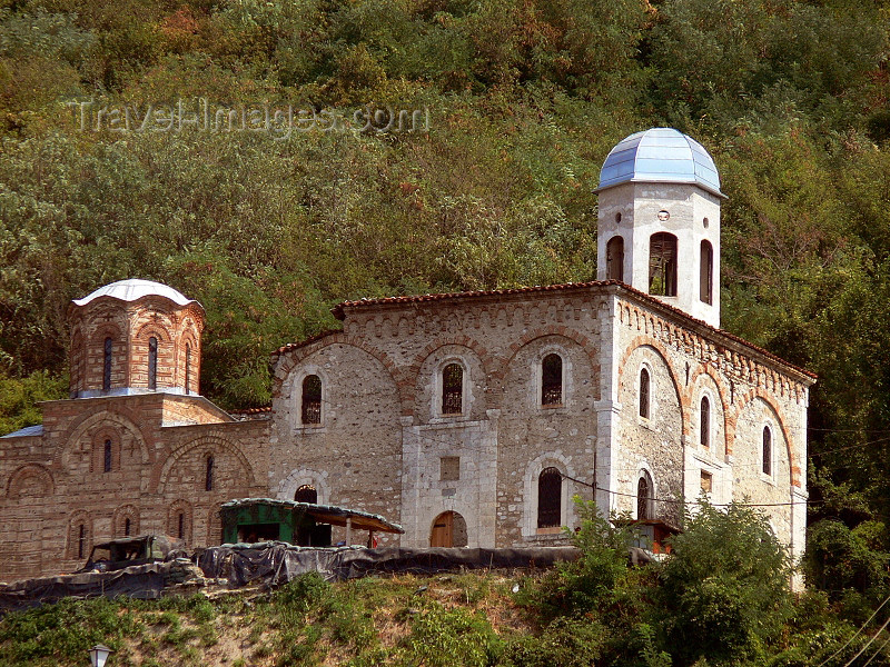 kosovo71: Kosovo - Prizren / Prizreni: ruined Serbian Orthodox Church of the Savior above the town - Sveti Spas - photo by J.Kaman - (c) Travel-Images.com - Stock Photography agency - Image Bank