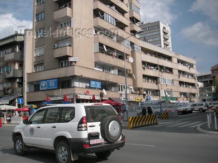 kosovo8: Kosovo - Pristina: UNMIK vehicle - photo by A.Kilroy - (c) Travel-Images.com - Stock Photography agency - Image Bank
