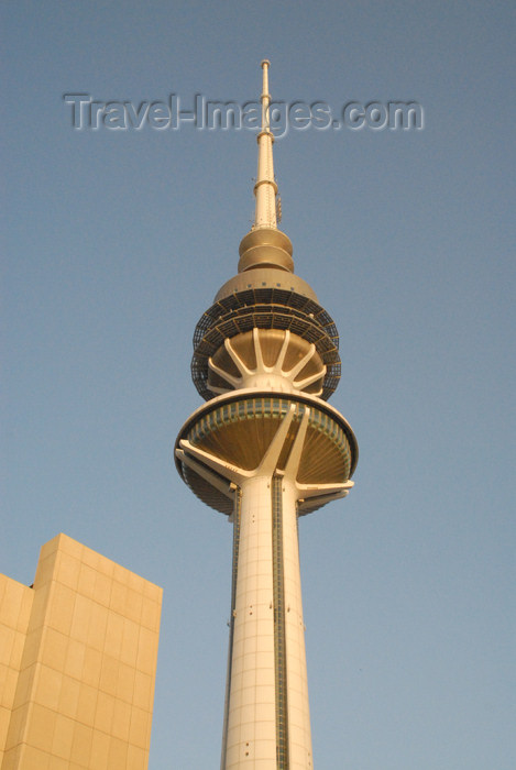 kuwait17: Kuwait city: Liberation Tower - television tower - photo by M.Torres - (c) Travel-Images.com - Stock Photography agency - the Global Image Bank