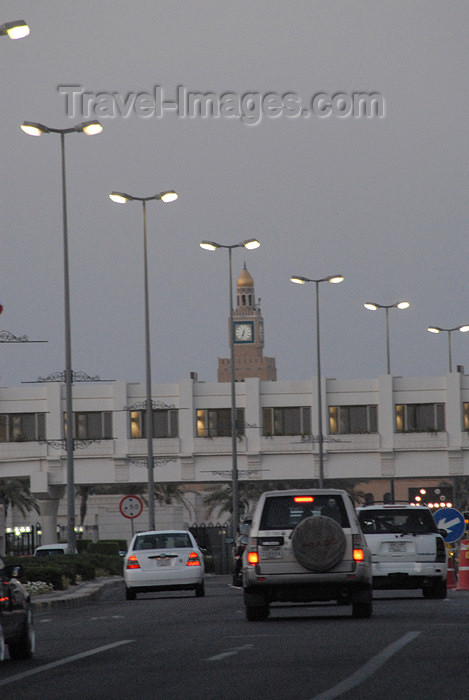 kuwait23: Kuwait city: Arabian Gulf street - driving towads Sief Palace - Corniche - photo by M.Torres - (c) Travel-Images.com - Stock Photography agency - the Global Image Bank