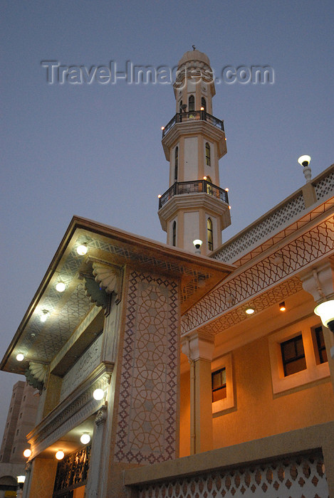 kuwait30: Kuwait city: minaret in Hawally district - nocturnal - photo by M.Torres - (c) Travel-Images.com - Stock Photography agency - the Global Image Bank