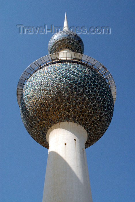 kuwait72: Kuwait city: Kuwait towers - main tower - photo by M.Torres - (c) Travel-Images.com - Stock Photography agency - the Global Image Bank