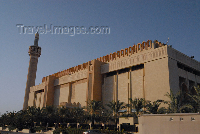 kuwait9: Kuwait city: Grand Mosque - western façade - photo by M.Torres - (c) Travel-Images.com - Stock Photography agency - the Global Image Bank