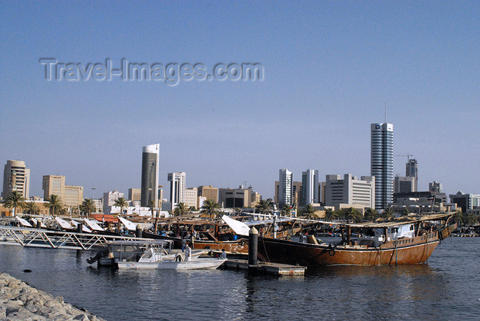 kuwait96: Kuwait city: dow and skyline II - photo by M.Torres - (c) Travel-Images.com - Stock Photography agency - the Global Image Bank