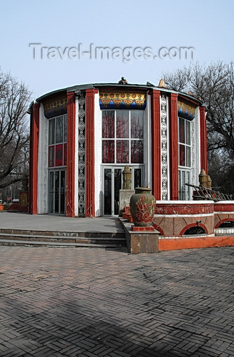 kyrgyzstan27: Bishkek, Kyrgyzstan: pavilion - Oak park - photo by M.Torres - (c) Travel-Images.com - Stock Photography agency - Image Bank