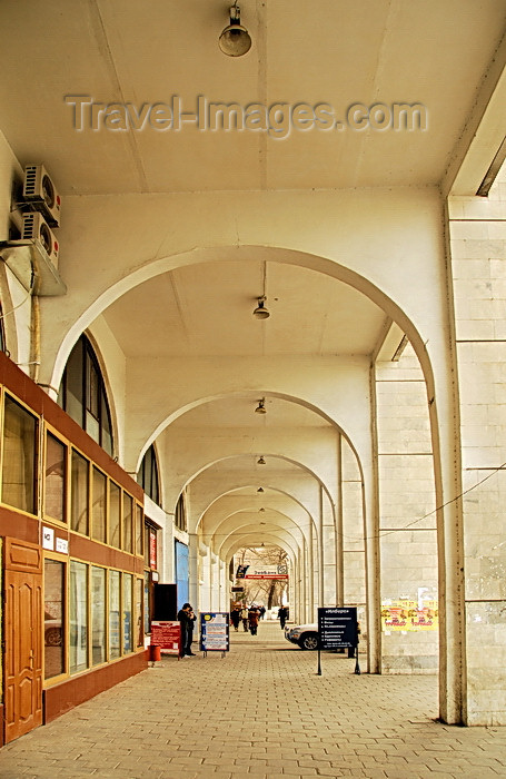 kyrgyzstan42: Bishkek, Kyrgyzstan: under the arcades - Chui avenue, near Ala-Too square - photo by M.Torres - (c) Travel-Images.com - Stock Photography agency - Image Bank