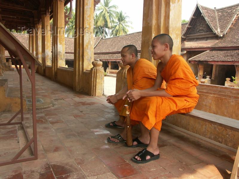 laos15: Laos - Vientiane: monks at Wat Sisaket - religion - Buddhism (photo by P.Artus) - (c) Travel-Images.com - Stock Photography agency - Image Bank
