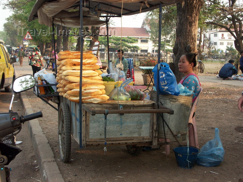 laos17: Laos - Indochina - Vientiane: bread stall (photo by P.Artus) - (c) Travel-Images.com - Stock Photography agency - Image Bank