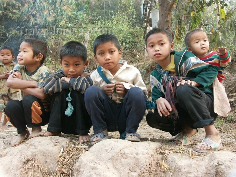 laos27: Laos - Pakbeng: school boys - photo by P.Artus - (c) Travel-Images.com - Stock Photography agency - Image Bank