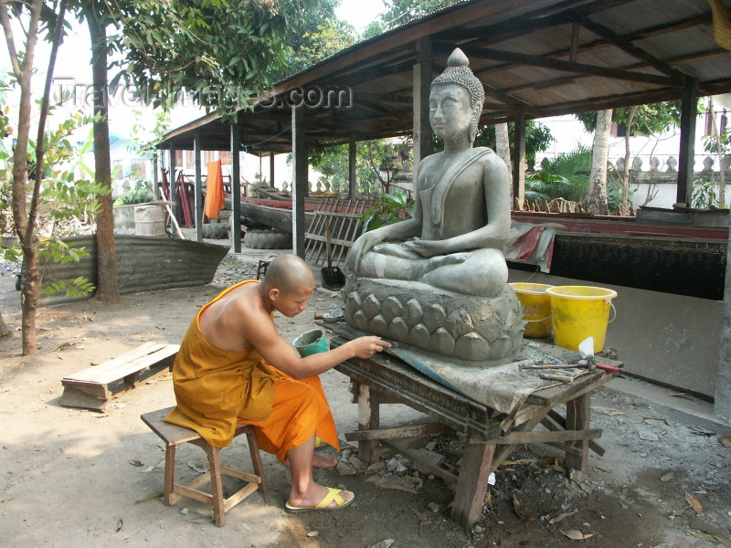laos29: Laos - Luang Probang: monk working on a Buddha statue - UNESCO World Heritage Site (photo by P.Artus) - (c) Travel-Images.com - Stock Photography agency - Image Bank