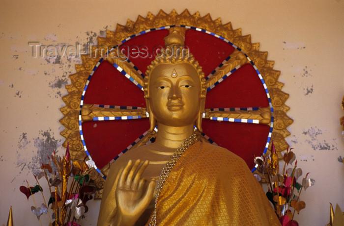 laos4: Laos - Vientiane: Buddha in a gesture of instruction - religion - Buddhism / Buddha in der Geste der Unterweisung (photo by Walter G Allgöwer) - Die Buddhastatue hat eine Hand erhoben. Sein Zeigefinger und Daumen formen einen Kreis. Diese Handhaltung heiß - (c) Travel-Images.com - Stock Photography agency - Image Bank