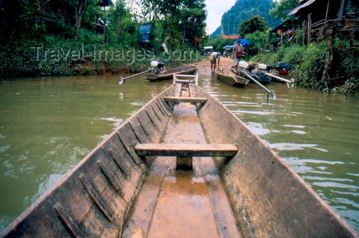 laos65: Laos - Vang Vieng - boats parking - Nam Song river - photo by K.Strobel - (c) Travel-Images.com - Stock Photography agency - Image Bank