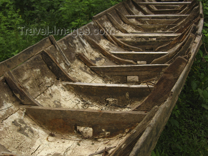 laos74: Laos - Don Det Island - Si Phan Don region - 4000 islands - Mekong river: detail of a canoe - photo by M.Samper - (c) Travel-Images.com - Stock Photography agency - Image Bank