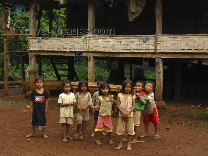 laos78: Laos - Thad Lo: school children - photo by M.Samper - (c) Travel-Images.com - Stock Photography agency - Image Bank