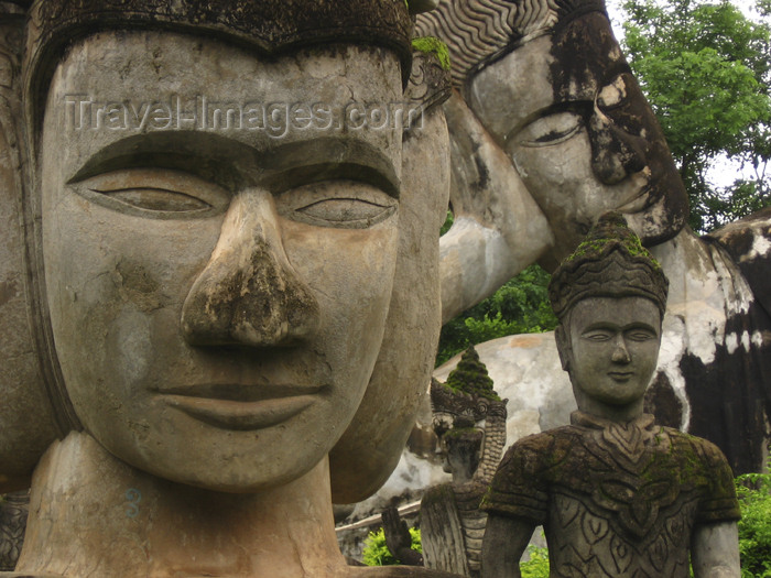 laos80: Laos - Tha Deua: Buddha statues - photo by M.Samper - (c) Travel-Images.com - Stock Photography agency - Image Bank
